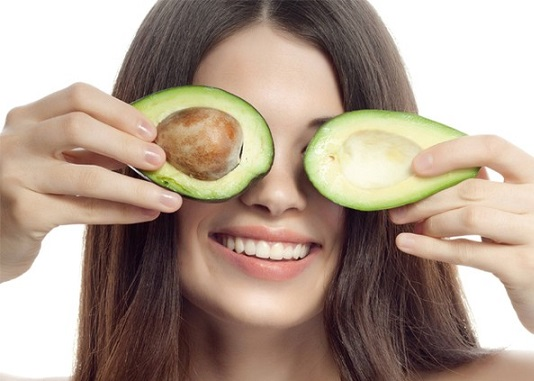 применение масло из авокадо для волос, маски с маслом авокадо, рецепты масок с авокадо для волос