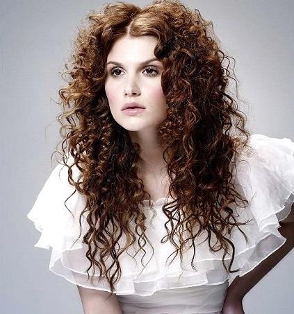 быстрая прическа на волнистые волосы